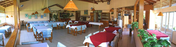 The restaurant eaily provides 80 persons with good food and wonderful vistas though the large windows.
