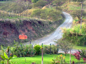Red Sunset Inn is located just off the road to Ecolodge.