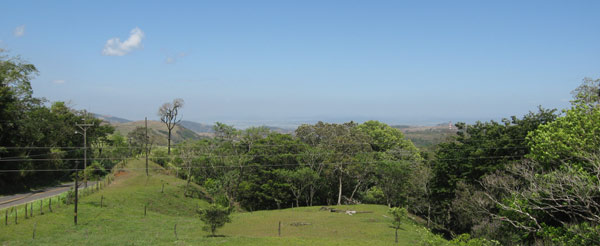 From the apartment, there is this expansive view down the foothills to the Guanacaste lowlands and the range of maountains before the Pacific Coast.