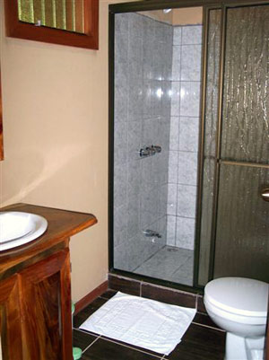 The rooms have attractive modern bathrooms with hot water.