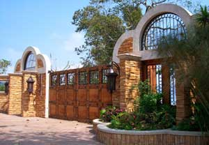 The gated entrance to Buena Vista 1