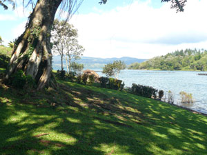 Boaters and kayakers, etc., from San Luis Cove can easily enter Lake Arenal just a few hundred yards from the dock.