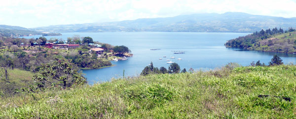 The lot overlooks San Luis Cove and Lake Arenal.