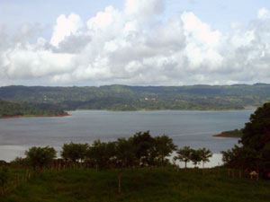 The town of Nuevo Arenal can be discerned on a hill across the lake.
