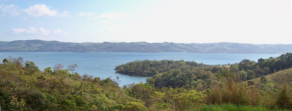 Lakeview lot on 1 1/2 acres 10 minutes from Nuevo Arenal.